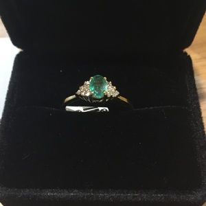 Jewelry - NEW! Diamond and Emerald 14 k Gold Ring